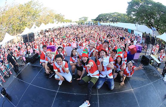 กรีนเวฟ สุดปลื้ม ซานต้า-แซนตี้ใจดีกว่า 3,500 คน  วิ่งส่งความสุขให้ผู้สูงอายุยากไร้